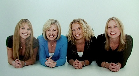 25 Sandy & Daughters.jpg