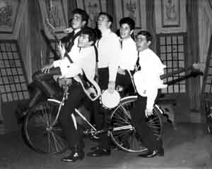 032-The Thorts (hamming it up on Club 17 in 1965 - Left to.jpg