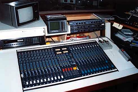 091-Studio 2 control 1995.jpg