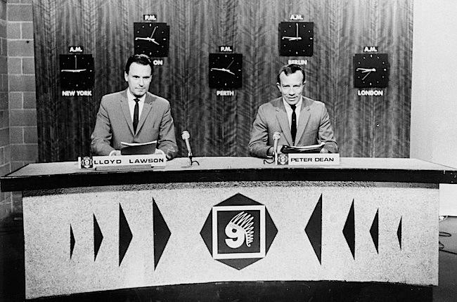 PD21-Lloyd and Peter read STW News.jpg