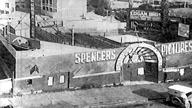 44-Spencer's Esplanade Gardens.jpeg