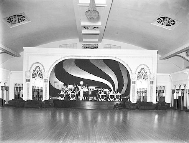 70-Embassy Ballroom.jpg