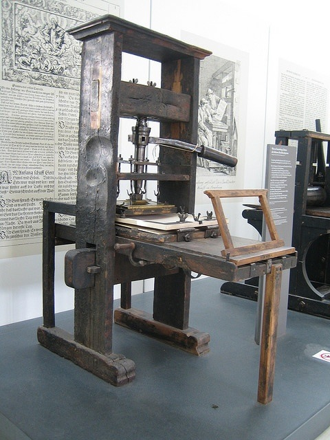 TV1-13-history-of-storage-gutenberg.jpg