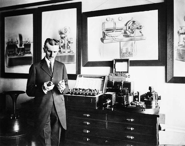 TV2-14-Nikola-Tesla.jpg